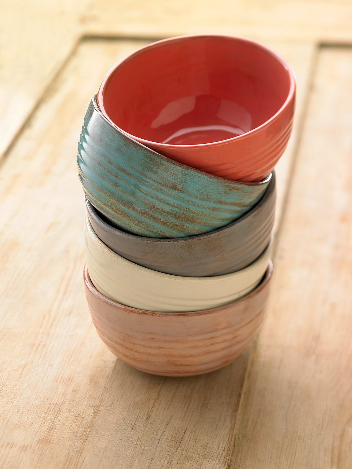 Gare stacked bowls